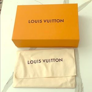 Louis Vuitton wallet box with wallet dust cover